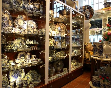 Photo Jorrit Heinen Royal Delftware in Delft, Shopping, Buy home accessories