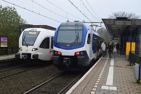 Photo NS Station Arnhem Velperpoort in Arnhem, Info, Travel